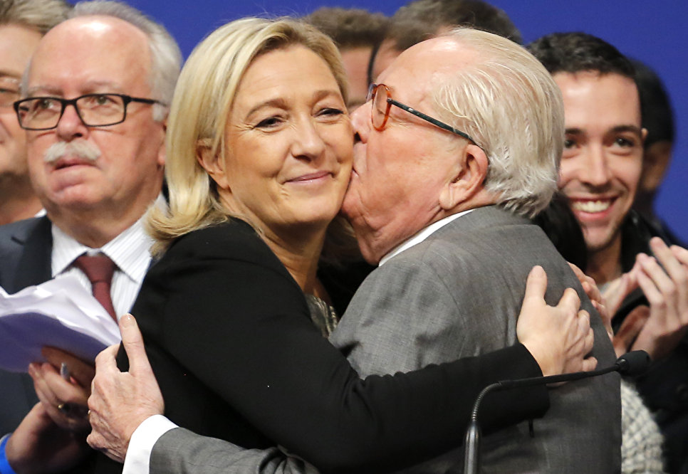 Другий тур виборів у Франції: чи піде Марін Ле Пен шляхом свого батька